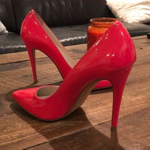 6a3b3459f59 Alice + Olivia Shoes - Alice + Olivia bright pink patent leather pumps.